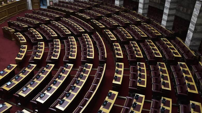 Κορωνοϊός: Επικαιροποίηση των μέτρων προστασίας στη Βουλή