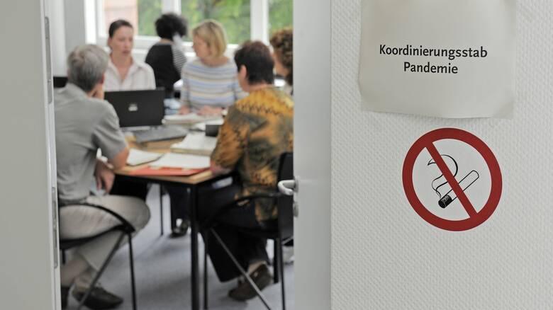 Κορωνοϊός - Bild: Πριν το τέλος του έτους τα εμβόλια στη Γερμανία