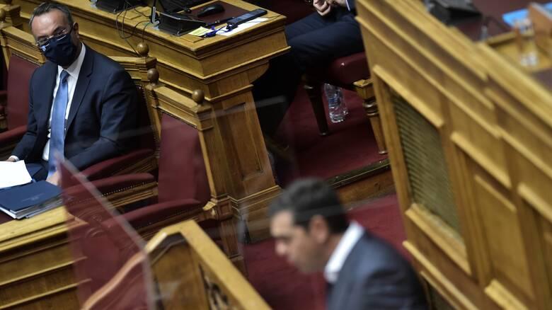 «Καυτό» πολιτικό τριήμερο στη Βουλή μετά την πρόταση δυσπιστίας κατά Σταϊκούρα
