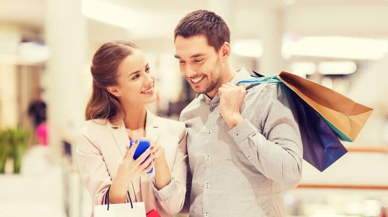 Τι δείχνουν τα στοιχεία από τις loyalty κάρτες για την πτώση του τζίρου στα καταστήματα