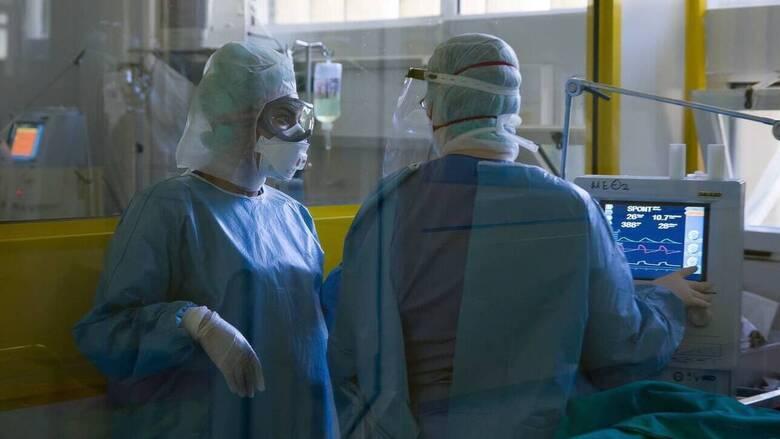 Κορωνοϊός: Στους 553 οι νεκροί - Κατέληξαν τέσσερις ασθενείς τις τελευταίες ώρες