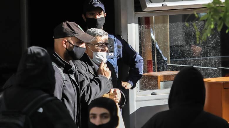 Στο δρόμο για τη φυλακή οι χρυσαυγίτες - Ξεκίνησαν οι μεταγωγές από τη ΓΑΔΑ