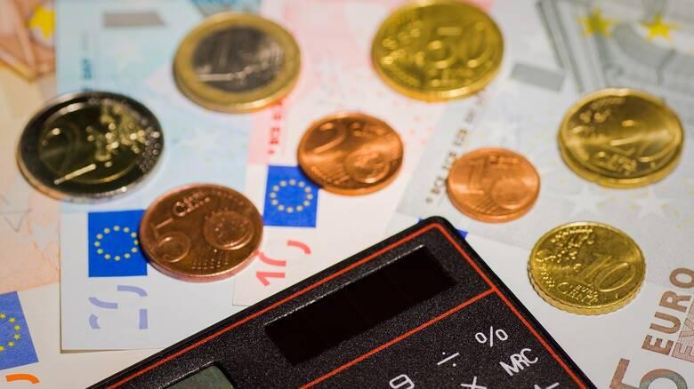 Αναδρομικά: Τη Δευτέρα συνεχίζονται οι πληρωμές των συνταξιούχων
