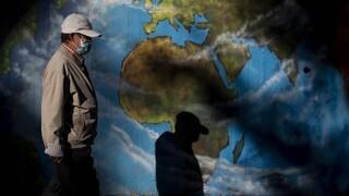 Κορωνοϊός: Η Ευρώπη στο «κόκκινο» - Πάνω από 200.000 κρούσματα τη μέρα