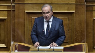 Παπαθανάσης: Άκαιρη και υποκριτική η πρόταση δυσπιστίας του ΣΥΡΙΖΑ