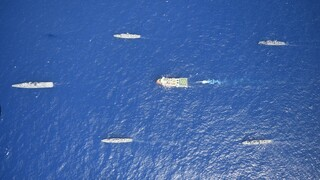 Oruc Reis: Έφτασε στα 13 ν.μ. από τη Ρόδο, «συνωστισμός» πολεμικών πλοίων