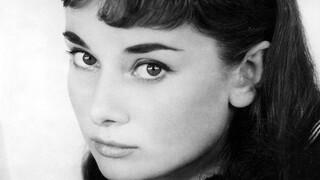 «Audrey»: Ένα ντοκιμαντέρ για την εμβληματική Όντρεϊ Χέπμπορν με ακυκλοφόρητα στιγμιότυπα