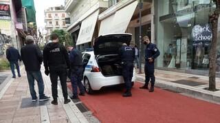 Αγρίνιο: Άνδρας μαχαίρωσε δύο γυναίκες στο κέντρο της πόλης