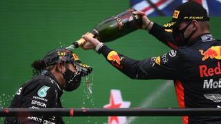 Formula 1: Ο Λούις Χάμιλτον έσπασε το ρεκόρ νικών του Μίκαελ Σουμάχερ