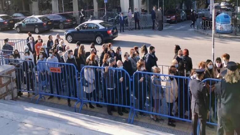 Εικόνες συνωστισμού στον Άγιο Δημήτριο της Θεσσαλονίκης