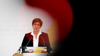 «Πονοκέφαλος» για το Χριστιανοδημοκρατικό Κόμμα: Στον «αέρα» το συνέδριο για νέο αρχηγό