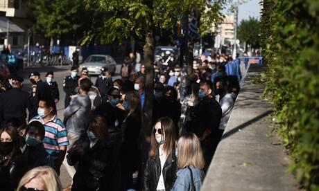 Εικόνες από τον συνωστισμό στον Άγιο Δημήτριο Θεσσαλονίκης