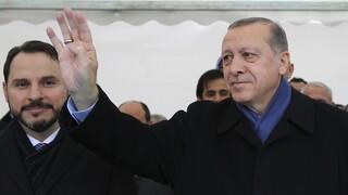 Πώς ο Ερντογάν έγινε μεγιστάνας των τηλεπικοινωνιών