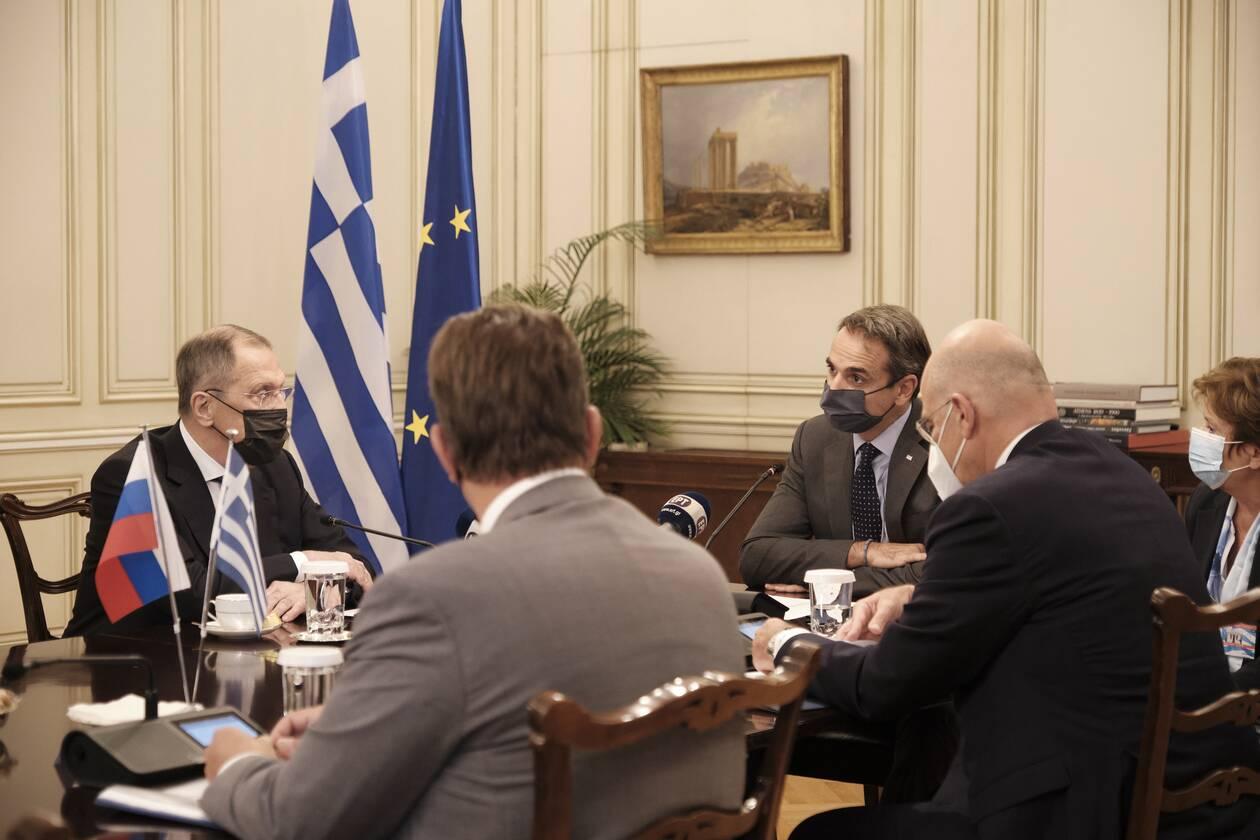 https://cdn.cnngreece.gr/media/news/2020/10/26/240065/photos/snapshot/mitsotakis-10.jpg