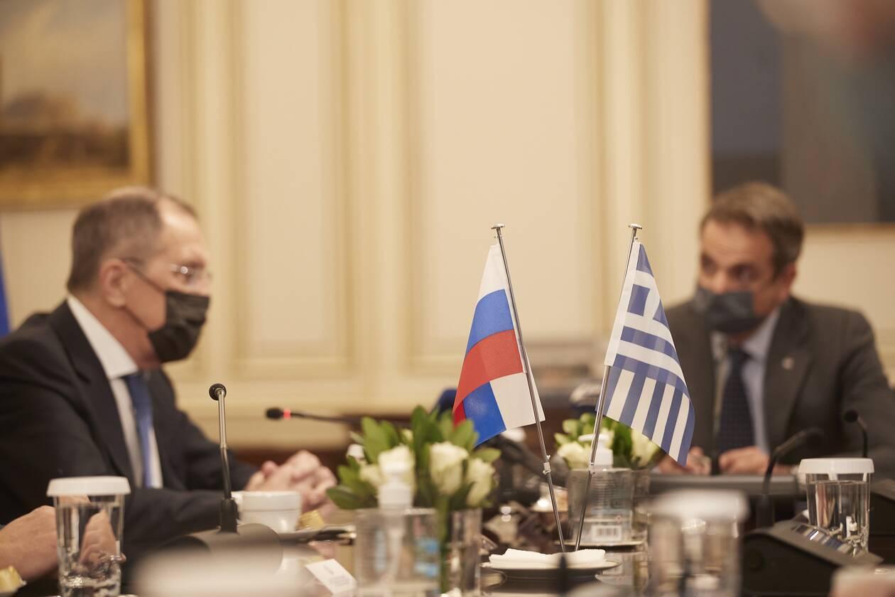 https://cdn.cnngreece.gr/media/news/2020/10/26/240065/photos/snapshot/mitsotakis-lavrov-8.jpg
