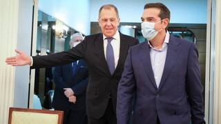 Τσίπρας σε Λαβρόφ: Άμεσος τερματισμός της τουρκικής επιθετικότητας