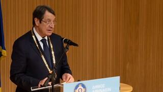 Το Χρυσό Μετάλλιο Αξίας της πόλης των Αθηνών στον Νίκο Αναστασιάδη