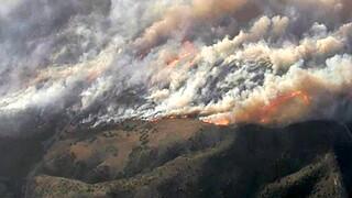 ΗΠΑ: Μεγάλη πυρκαγιά στην Καλιφόρνια – Απομακρύνθηκαν 60.000 κάτοικοι