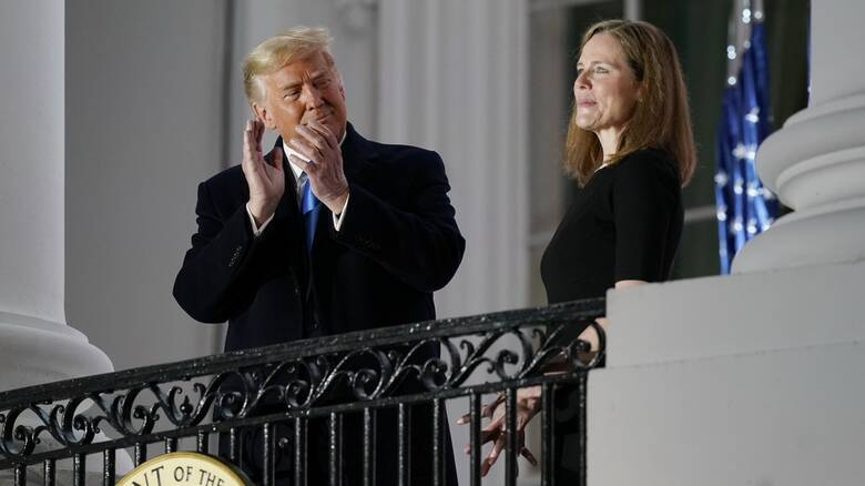ΗΠΑ: Νίκη για Τραμπ - Εγκρίθηκε ο διορισμός της Έιμι Κόνι Μπάρετ στο Ανώτατο Δικαστήριο