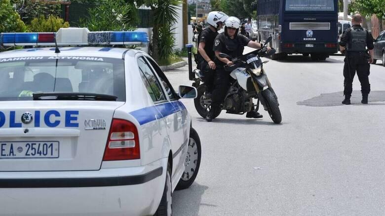Δολοφονία Χανιά: Στραγγαλισμένη η 79χρονη, σε βαλίτσα ο σύντροφός της - Άφαντος ο βασικός ύποπτος