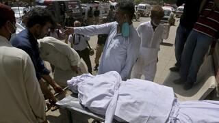 Πακιστάν: Νεκροί και δεκάδες τραυματίες από έκρηξη βόμβας σε ισλαμικό ιεροδιδασκαλείο