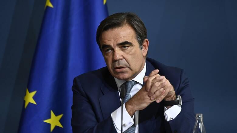 Κορωνοϊός: Θετικός ο αντιπρόεδρος της Κομισιόν Μαργαρίτης Σχοινάς