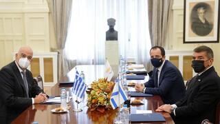 Κοινές δηλώσεις των ΥΠΕΞ μετά την τριμερή συνάντηση Ελλάδας - Κύπρου - Ισραήλ