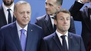 Κομισιόν: Το μποϊκοτάζ των γαλλικών προϊόντων θα απομακρύνει και άλλο την Τουρκία από την Ευρώπη