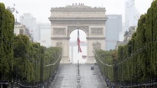 Παρίσι: Φάρσα η βόμβα στην Αψίδα του Θριάμβου - Τσάντα με πυρομαχικά στον Πύργο του Άιφελ