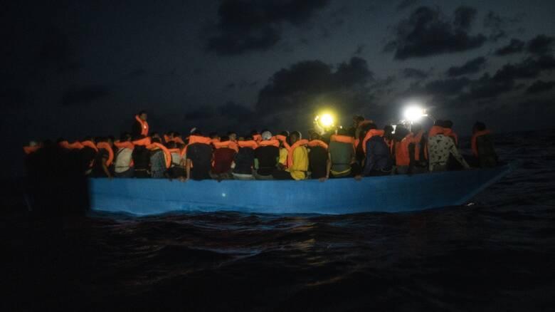 Τέσσερις νεκροί, ανάμεσά τους δύο παιδιά σε ναυάγιο σκάφους με μετανάστες στη Μάγχη