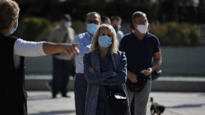 Κορωνοϊός: Η χρήση μάσκας διακόπτει την αλυσίδα μετάδοσης του ιού μέχρι την εύρεση εμβολίου