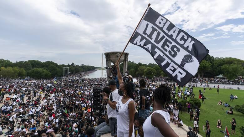 Εκλογές ΗΠΑ: Γιατί οι Αφροαμερικανοί ψηφοφόροι συρρέουν στις κάλπες