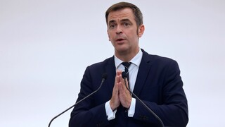 Κορωνοϊός: Ο Γάλλος υπουργός Υγείας δεν αποκλείει και ένα τρίτο κύμα του ιού