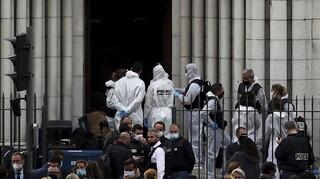 «Υπάρχει μια αποκεφαλισμένη»: Μάρτυρας περιγράφει τα πρώτα λεπτά μετά την επίθεση στη Νίκαια