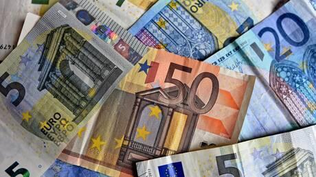 Τέλη Απριλίου η καταβολή ΦΠΑ Οκτωβρίου για «κόκκινες» περιοχές