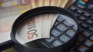 Ενεργοποιούνται ευνοϊκές ρυθμίσεις για τις φορολογικές οφειλές