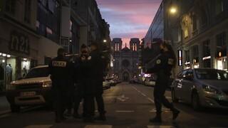 Τρομοκρατικές επιθέσεις: Σε σοκ η γαλλική κοινωνία - Έκτακτα μέτρα ασφάλειας