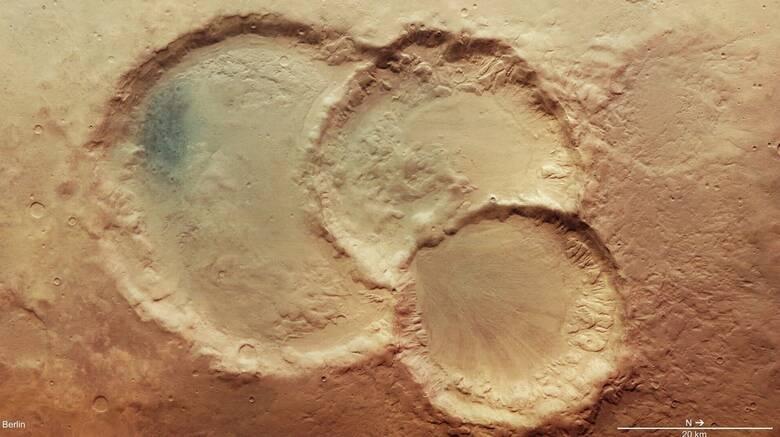 Ανακαλύφθηκε σπάνιος και εντυπωσιακός τριπλός κρατήρας στον Άρη