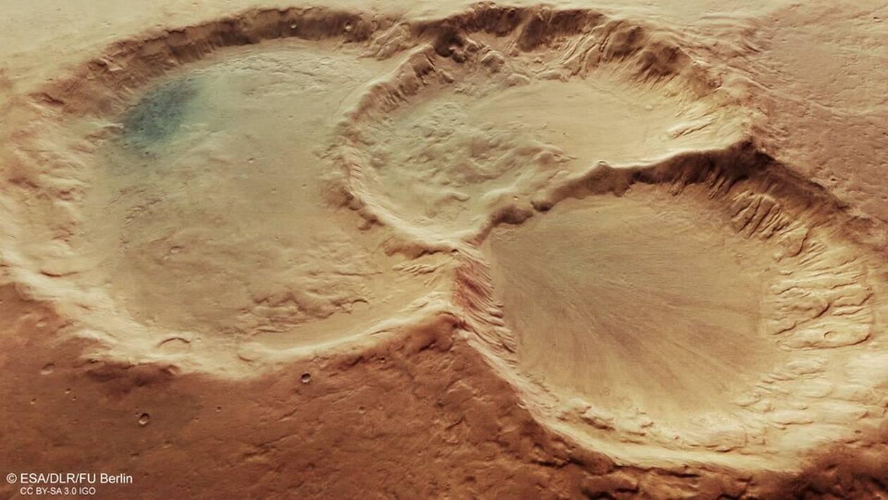 https://cdn.cnngreece.gr/media/news/2020/10/30/240592/photos/snapshot/Perspective_view_of_triple_martian_crater_article.jpg