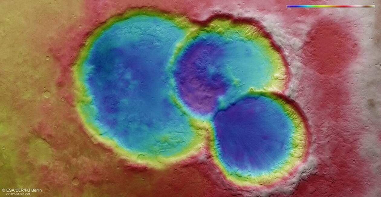 https://cdn.cnngreece.gr/media/news/2020/10/30/240592/photos/snapshot/Topographic_view_of_triple_crater_on_Mars_article.jpg