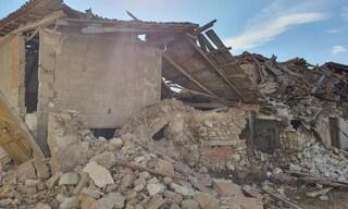 Σεισμός Σάμος: Καρέ - καρέ οι ζημιές στο Καρλόβασι