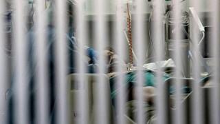 Κορωνοϊός: Τρεις ασθενείς κατέληξαν - Στους 618 οι νεκροί
