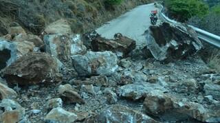 Σεισμός Σάμος: Κατολισθήσεις στην Ικαρία μετά τα 6,7 Ρίχτερ