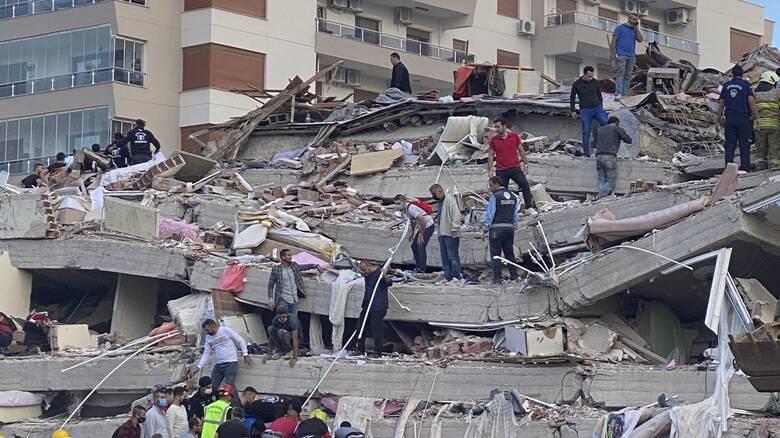 Σεισμός Σάμος: 12 νεκροί στη Σμύρνη - Πάνω από 400 τραυματίες