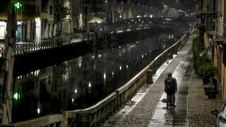 Κορωνοϊός: Μαύρη μέρα για την Ιταλία - Όλο και πιο κοντά στο lockdown