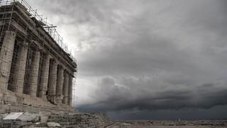 Ακρόπολη: Απάντηση στις καταγγελίες για τις διαδρομές του ιερού βράχου από το Υπουργείο Πολιτισμού