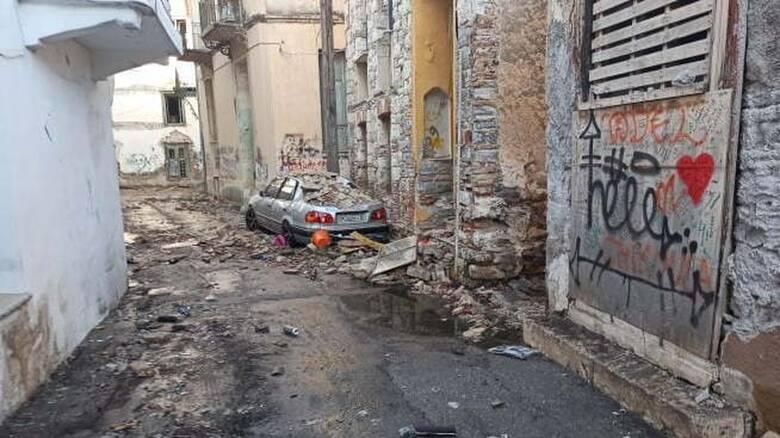 Σεισμός Σάμος: Δύσκολη νύχτα για τους σεισμόπληκτους - Πένθος για τα δύο παιδιά