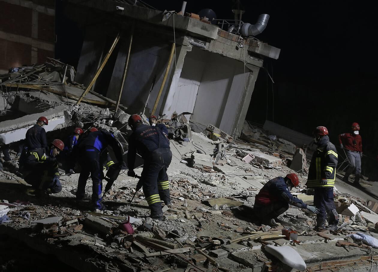 https://cdn.cnngreece.gr/media/news/2020/10/31/240752/photos/snapshot/toyrkia_seismos-5.jpg
