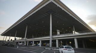 Αρχίζει τη λειτουργία του το «καταραμένο» νέο διεθνές αεροδρόμιο του Βερολίνου