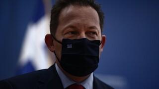 Πέτσας: Άμεσες πρωτοβουλίες για τον «φασιστικό προπηλακισμό» του Πρύτανη της ΑΣΟΕΕ